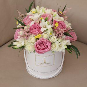 Įvairių gėlių dėžutė #6