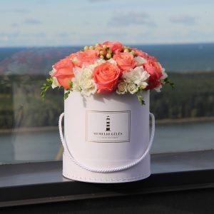 Įvairių gėlių dėžutė #10