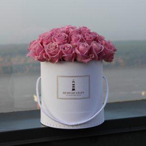 rausvu roziu dezute